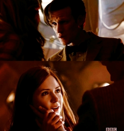 Amy Pond پیپر وال containing a business suit called Series 6