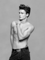 Shirtlessness | Simon Nessman