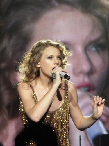 Speak Now World Tour: Rotterdam, Netherlands [March 7th, 2011]