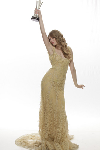 Taylor Swift - More ACM Awards Portraits!