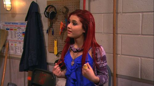 Ariana Grande wallpaper entitled Victorious 1x12- Cat's New Boyfriend