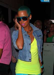 amber rose with green hair