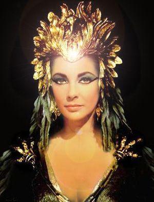 Elizabeth Taylor karatasi la kupamba ukuta called cleopatra