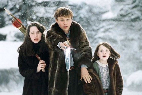 The Chronicles Of Narnia wallpaper with a fur coat titled lucy,peter & susan