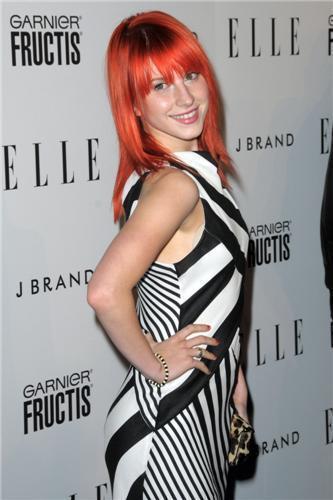 Hayley attending Elle's Women In musik konser