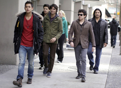 'Twilight' Actors Out And About In Vancouver