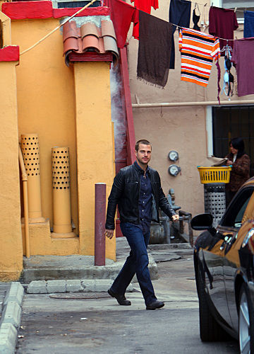 NCIS: Los Angeles kertas dinding containing a jalan called 1x16-Chinatown-promos