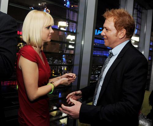 "Anna Faris - Relativity Media Presents ""Take Me halaman awal Tonight"" - After Party"