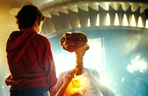 ETとエリオットのお別れの壁紙