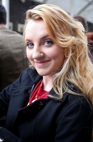 Evanna and Matthew in लंडन {April 11, 2011}