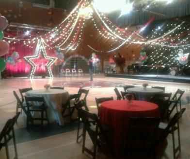 Glee prom Setting