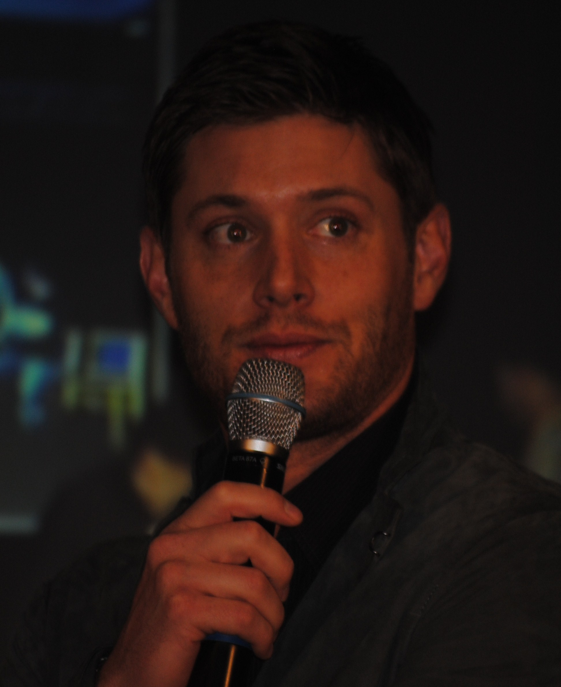 Jensen at JIBCON 2011 - jensen-ackles photo