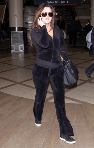 Khloe Kardashian Arriving On A Flight At LAX