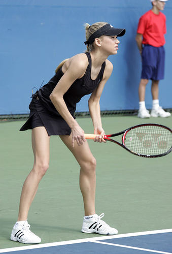 Kournikova has much skinny legs !!
