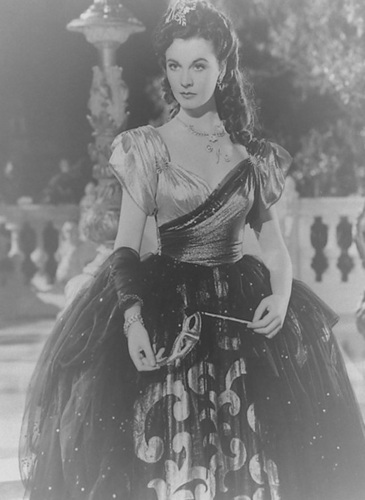 Vivien Leigh wallpaper possibly with a polonaise entitled Lady Hamilton