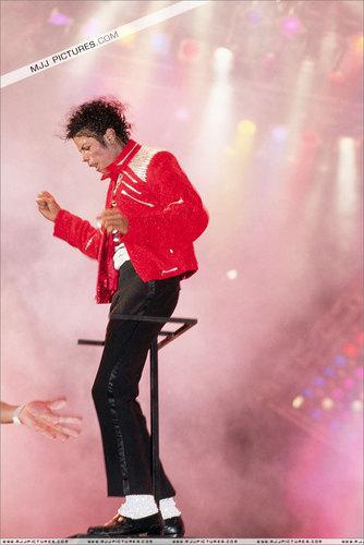 MJJ Beat it
