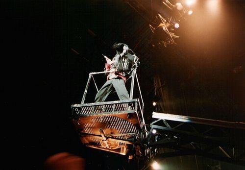 Michael Jackson BEAT IT :D