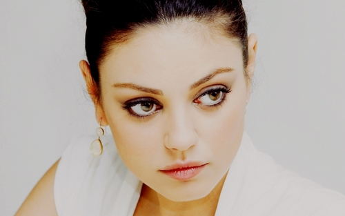 Mila Kunis wallpaper containing a portrait called Mila