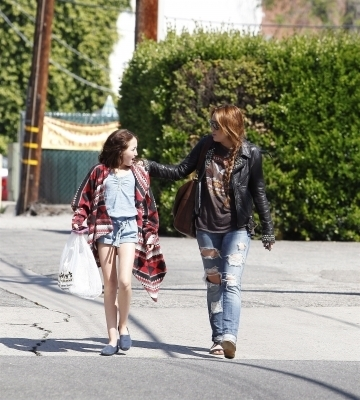 Miley & Noah out in LA
