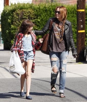 Miley & Noah out in LA