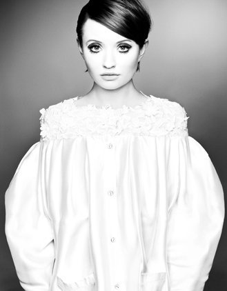 Emily Browning kertas dinding called New Unknown Photoshoot