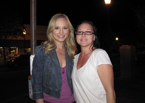 New/old 사진 of Candice with fans!