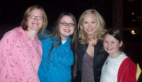 New/old picha of Candice with fans!