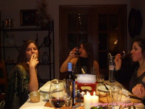 Nuria Tomas and a gal pal urged for an after-dinner cigarette