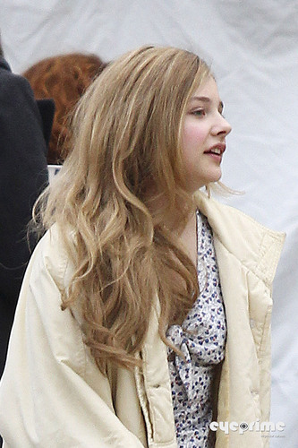 "On the set of ""Hick"" (April 4th, 2011) - chloe-moretz Photo"