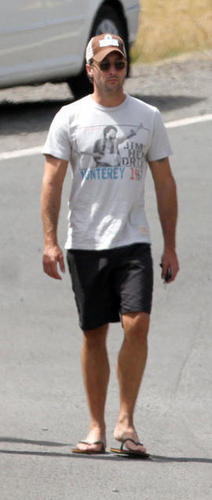 Out in Hawaii - 10 April 2011