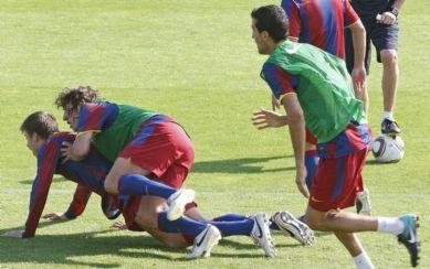 Piqué Puyol sexy attack