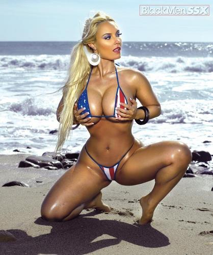 Sexy Beach - Coco - nicole-coco-austin Photo