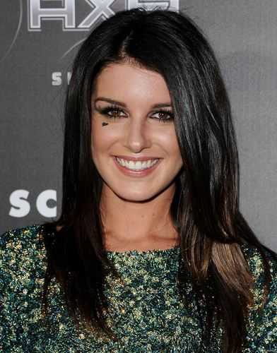 "Shenae Grimes April 11th: ""Scream 4"" Los Angeles Premiere"