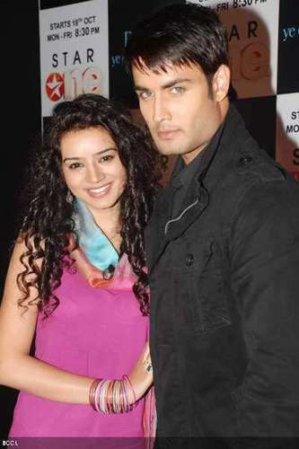 Sukriti & Vivian@ d launch of d show - pyaar-ki-yeh-ek-kahani Photo