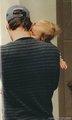 federer twins kiss