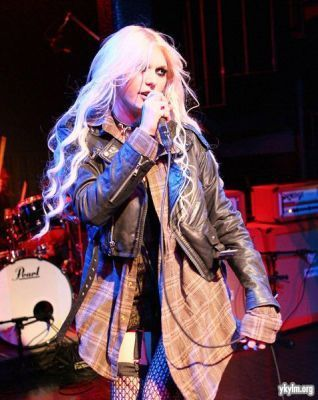 2011 música Unites In Tune música Series With The Pretty Reckless