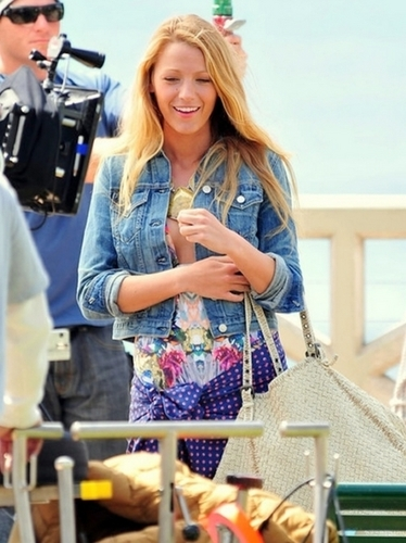 BlakeLively.. ♥