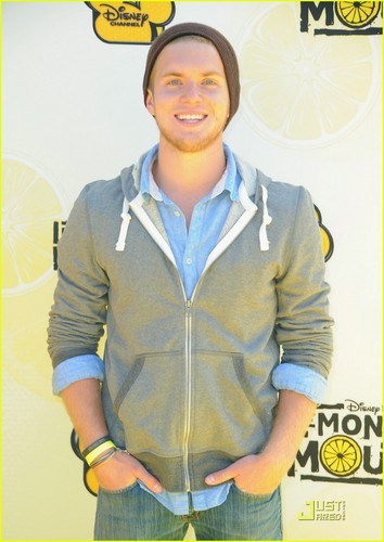 Chris Brochu & Nick Roux: Mudslide Crush Crashes limonade Mouth Premiere!