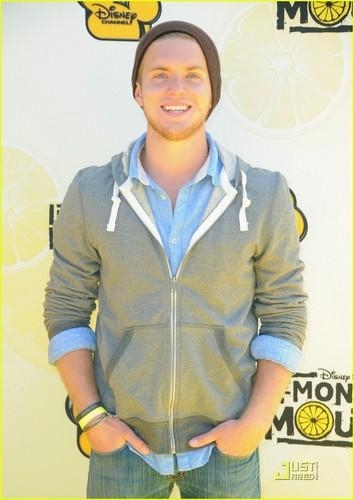 Chris Brochu & Nick Roux: Mudslide Crush Crashes limonade Mouth Premiere!