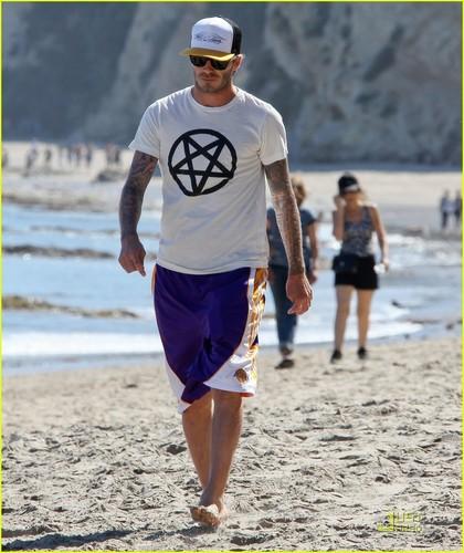 David Beckham: Malibu beach, pwani with Romeo & Cruz!