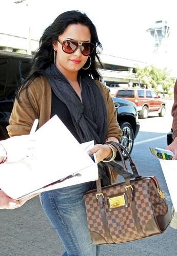 Demi - At LAX Airport - 15 April 2011