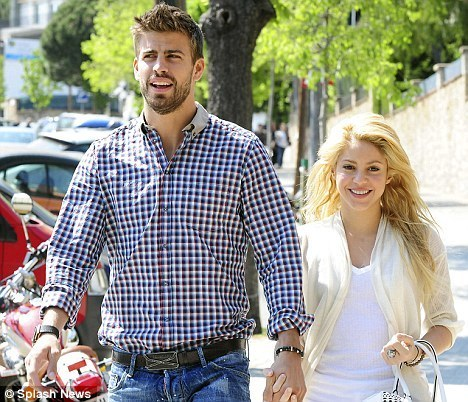 Gerard Piqué and Shakira as wedding photo