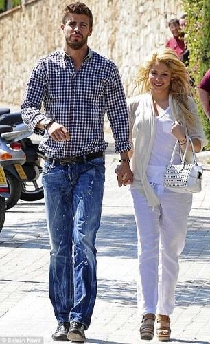 Shakira and Gerard Piqué images Gerard Piqué and Shakira ...