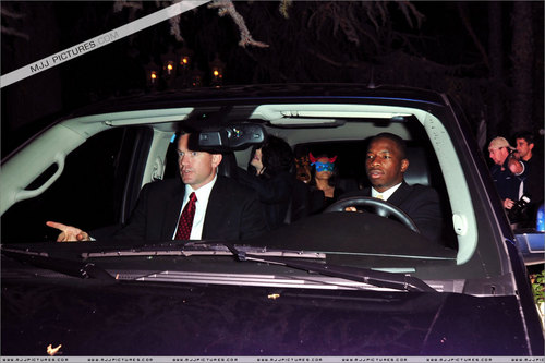 MJ pics (some of him at KFC drive through too :P)