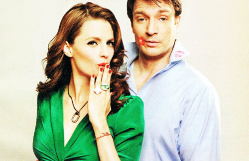 Nathan Fillion & Stana Katic karatasi la kupamba ukuta called Nathan & Stana - TV Guide Photoshoot