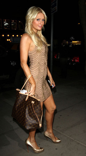 Paris HIlton Returns to her Hotel