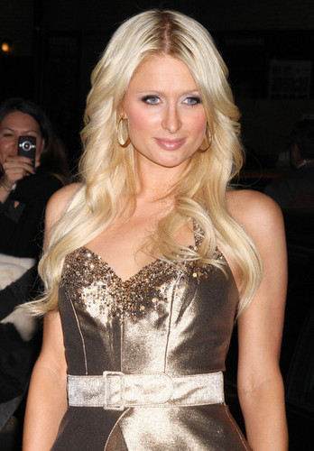 Paris Hilton And Cy Waits At The 'Late tunjuk With David Letterman'