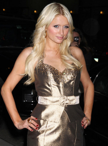 Paris Hilton And Cy Waits At The 'Late دکھائیں With David Letterman'