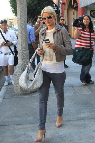 Paris Hilton Shops in LA