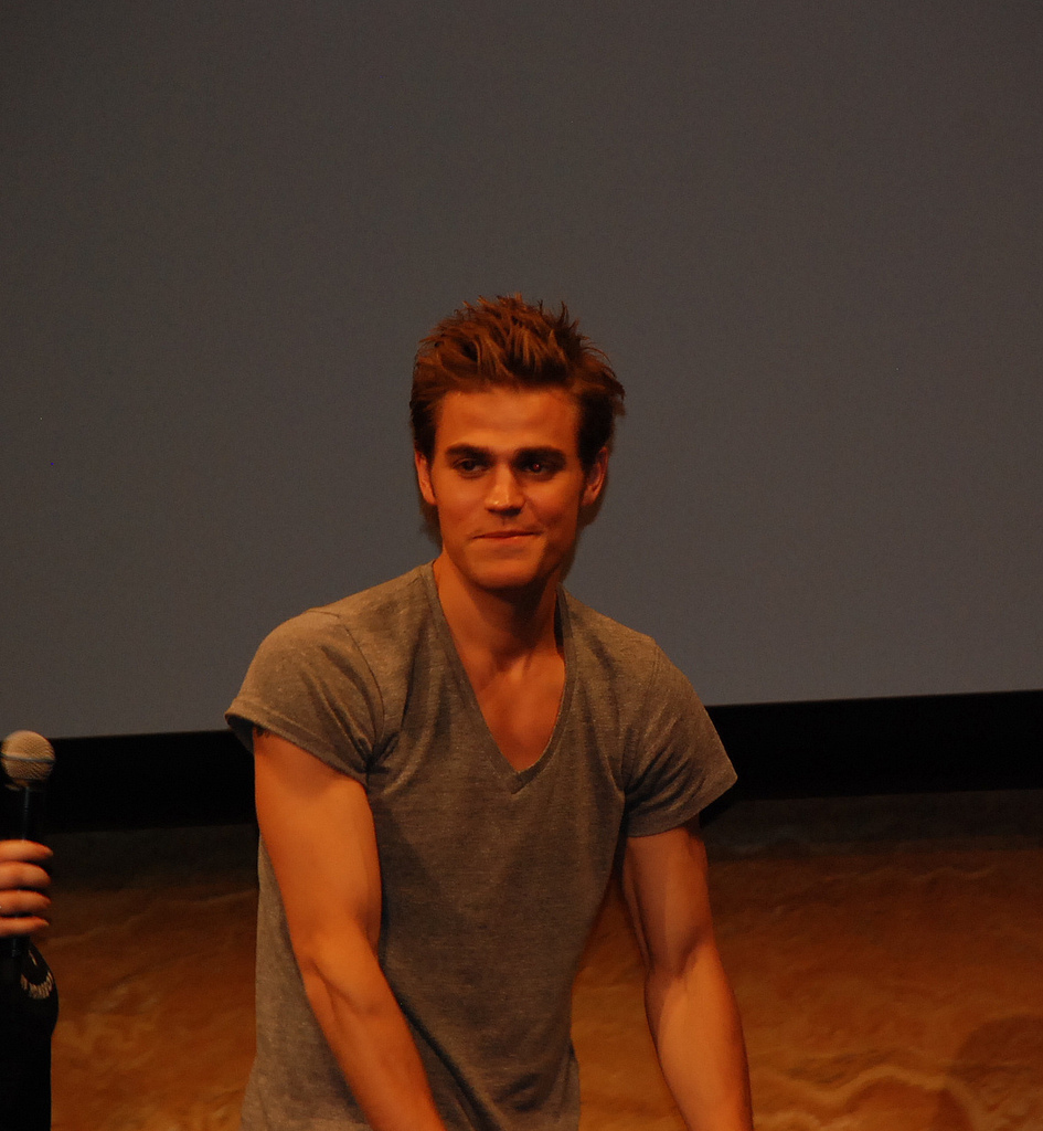 Paul Wesley / old pict...